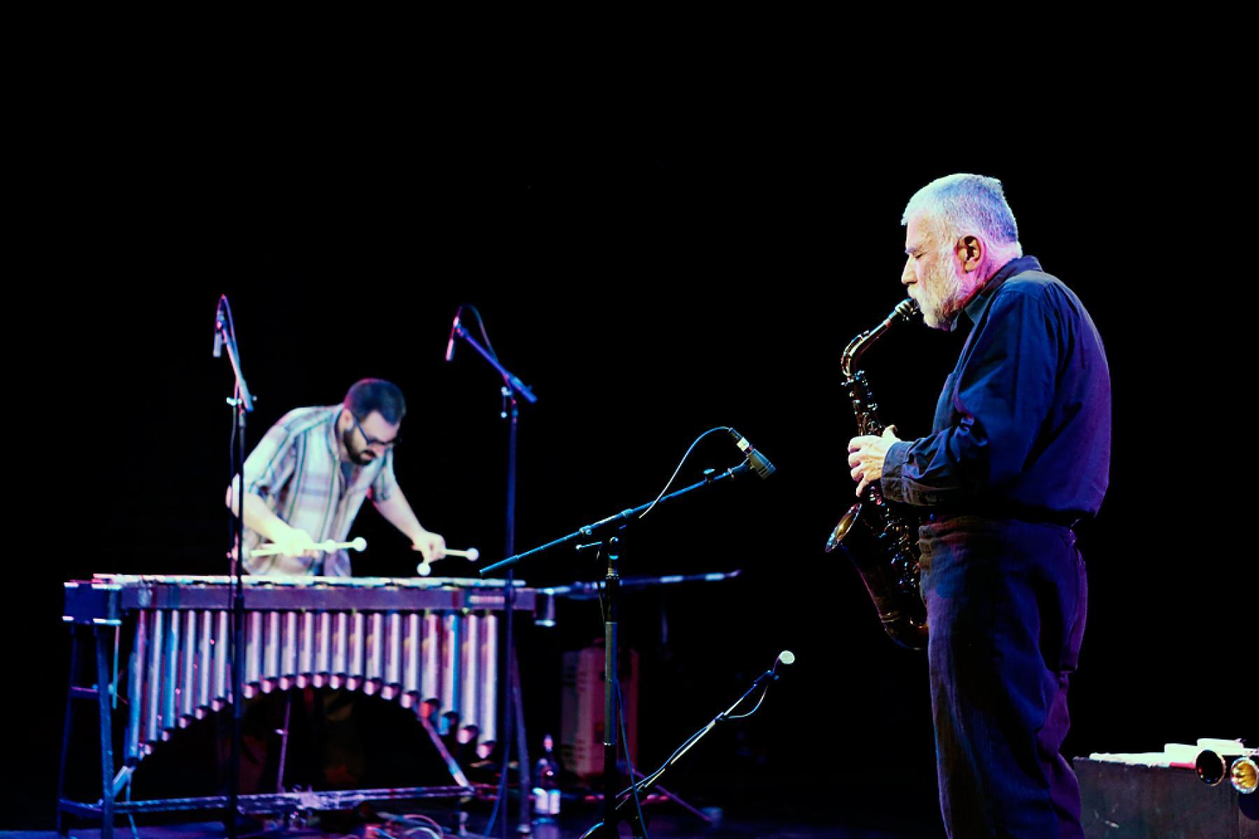 Peter Brötzmann & Jason Adasiewicz, 18 September 2012. Photo by Lesley Brown.